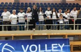 Pic | Με μπλουζάκια ΟΦΗ η οικογένεια Πανταζή στο γήπεδο της Βόχα