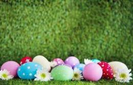 Φέτος το Πάσχα: «Μένουμε σπίτι»