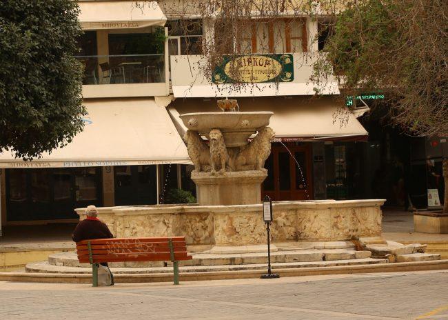 Κορονοϊός και Αφρικανική σκόνη δημιούργησαν απόκοσμες εικόνες στο Ηράκλειο (φώτος)