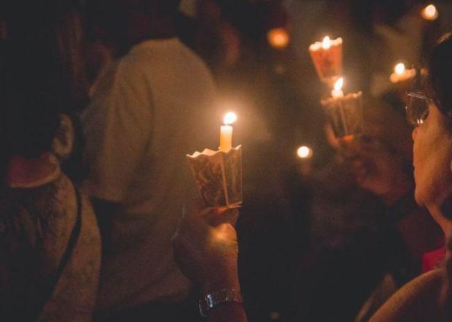 Απαγορεύεται η κατ' οίκον διανομή του Αγίου Φωτός