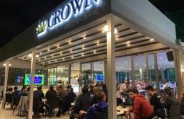 """«Πλημμύρισε» από κόσμο το ανακαινισμένο καφέ """"Crown"""" του Calcetto"""