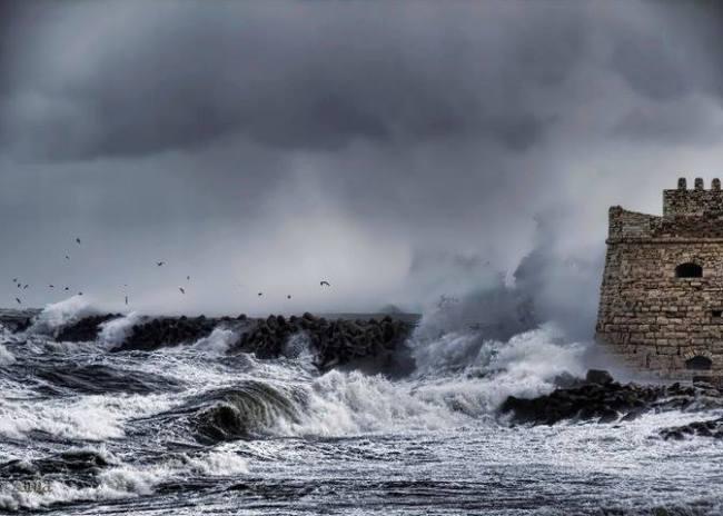 Μέρα με ισχυρούς ανέμους στο Ηράκλειο σύμφωνα με το Λιμεναρχείο