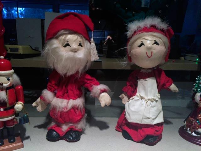 Paper mache Santa and Mrs. Claus