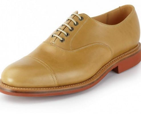 Casual Cap Toe Oxford with metal eyelets and rubber sole by Sanders