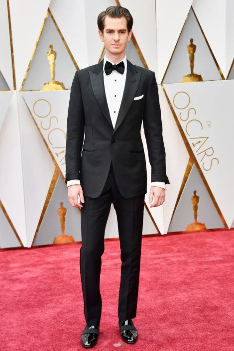 Andrew Garfield in a proper tuxedo with turn-ups cuffs. Perfect except for the shoes, which are slippers not pumps
