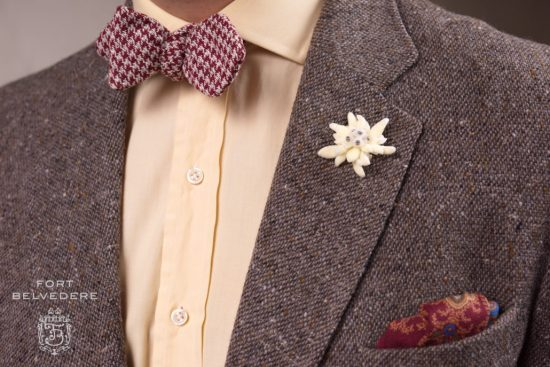 Brown tweed jacket with yellow orange dress shirt and Houndstooth Silk Bourette Bow Tie Burgundy Cream - Fort Belvedere