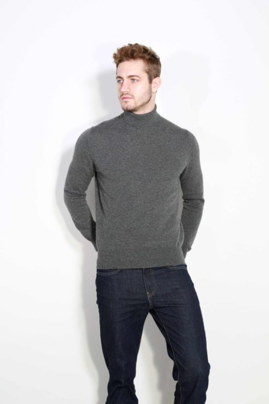 Johnstons of Elgin Cashmere Turtleneck Sweater