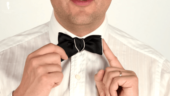 bow tie with white edges