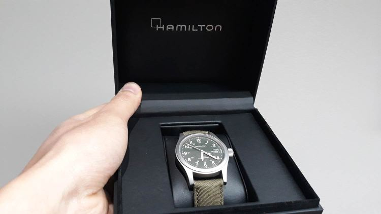 Hamilton Khaki Field Packaging