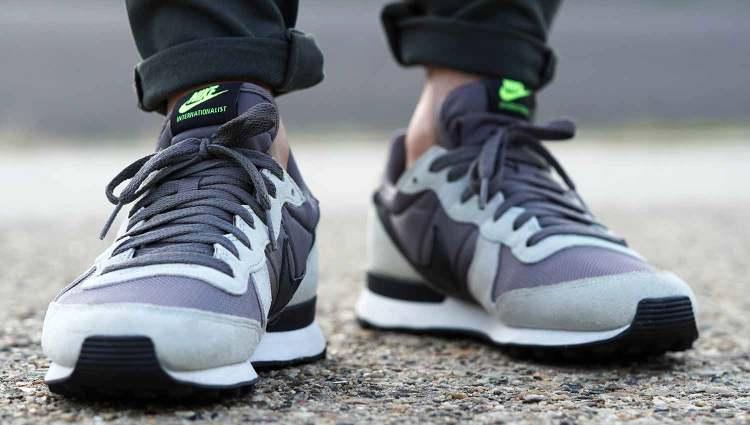 Nike Internationalist On Feet Front