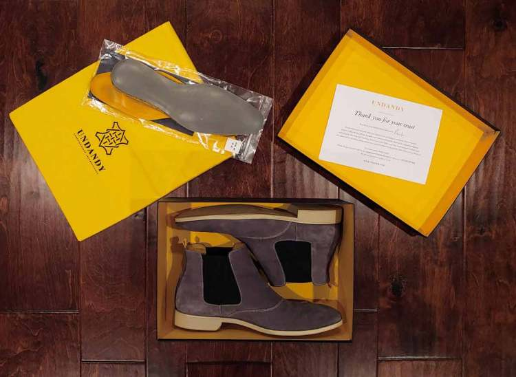 Undandy Chelsea Boots Unboxing Spread