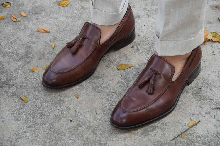 alan david custom linen trousers cuff loafers
