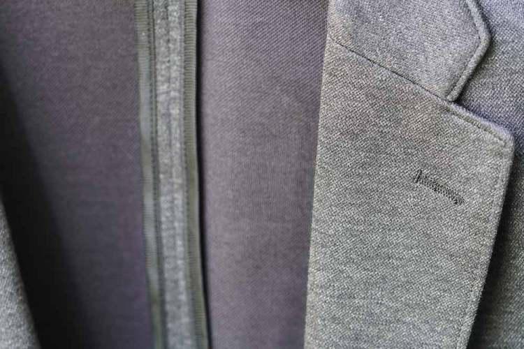 comfort jacket dark gray texture detail