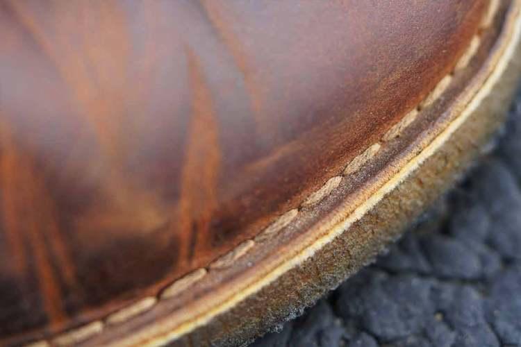 clarks desert boot stitching details front