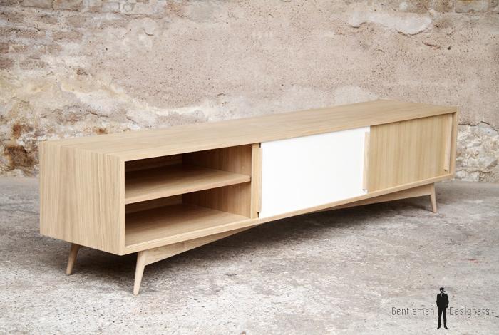 meuble tv enfilade basse en chene comprenant 3 portes coulissantes