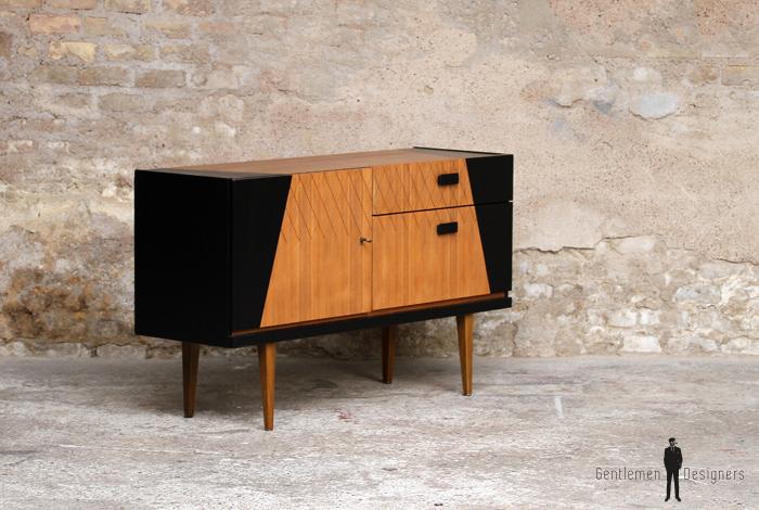 meuble buffet vintage en teck style scandinave motifs graphique noir gentlemen designers