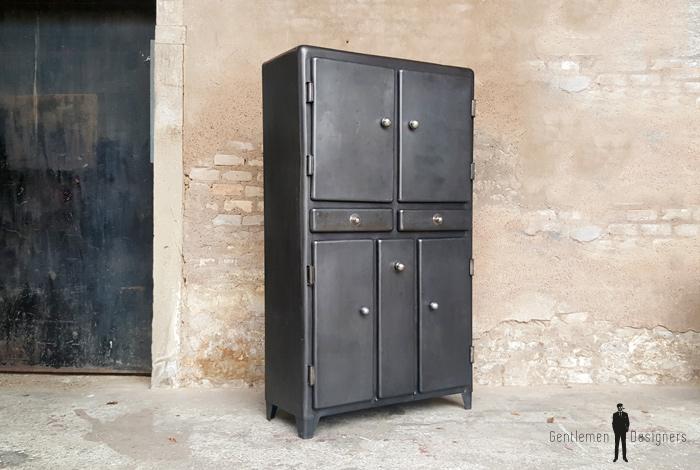 armoire vintage metal style indus angles arrondis portes tiroirs