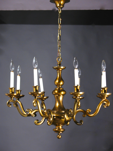 Very Large 8 Light Williamsburg Chandelier