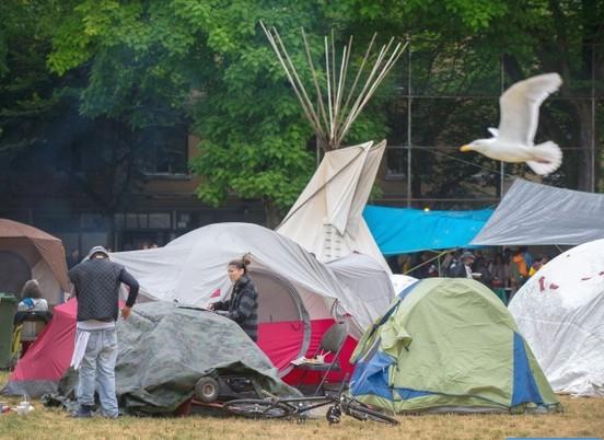 oppenheimer-park-protest-tents