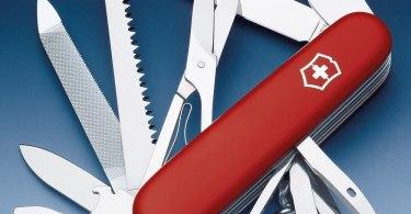 Choisir son couteau suisse pour voyager