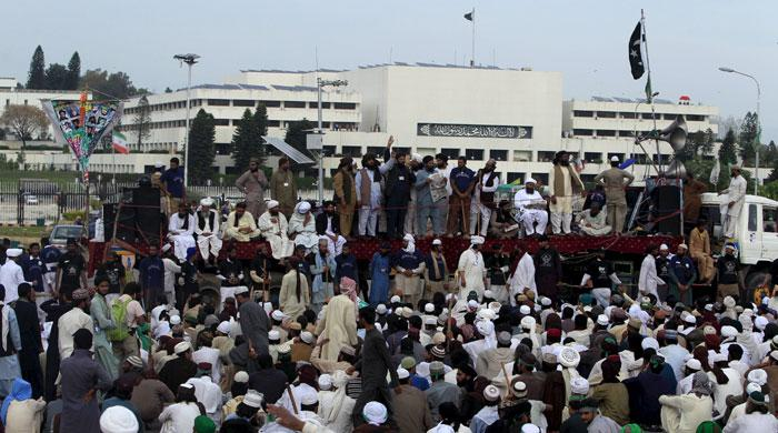 Protesters violate government deadline as sit-in enters fourth day