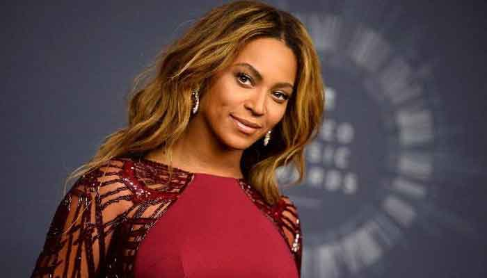 beyonce wins hearts as she shares