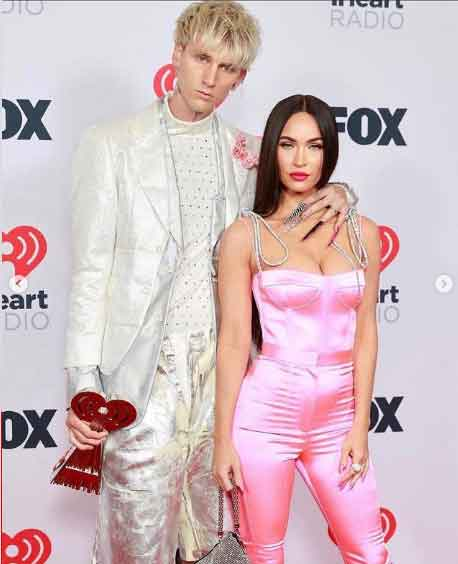 352376 4155306 updates Megan Fox stuns on '2021 iHeartRadio Music Awards' red carpet