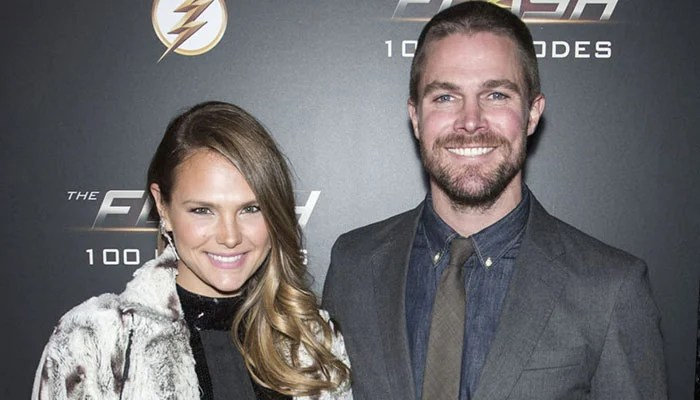 356592 4191141 updates Stephen Amell confirms he was removed from flight after argument with wife