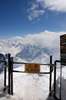 Caution! Only climbers and skiers beyond this point!