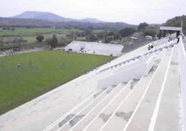Al fondo, donde debería haber tribuna: las praderas de Xochitepec.