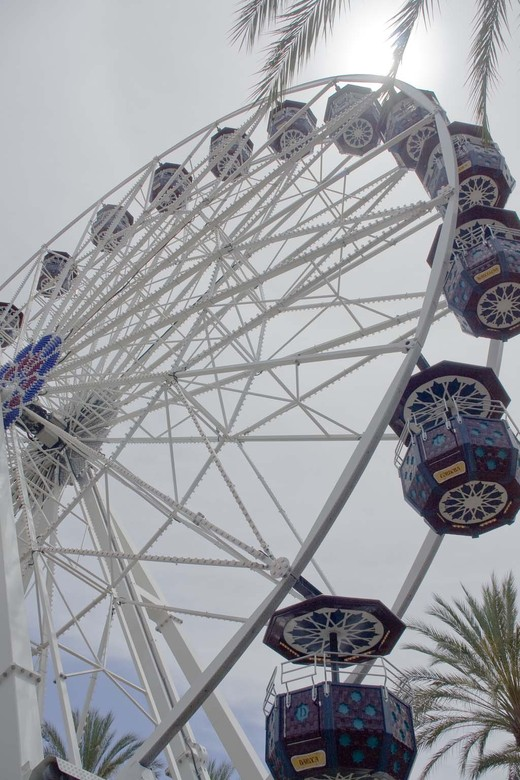 Feris Wheel at the Spectrum in Orange County