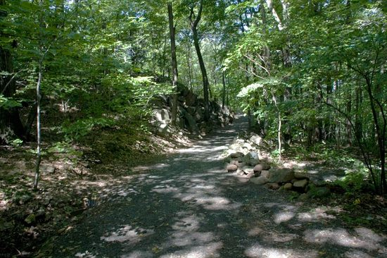 sleeping-giant-trail.jpg