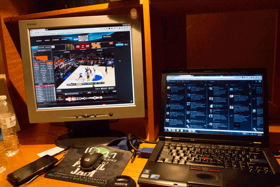 two-screens-march-madness