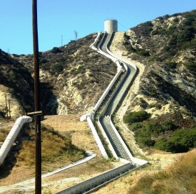 First_Los_Angeles_Aqueduct_Cascades,_Sylmar