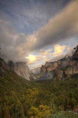 Yosemite Valley Multilayered Clouds Near Sunset-w1920-h1400