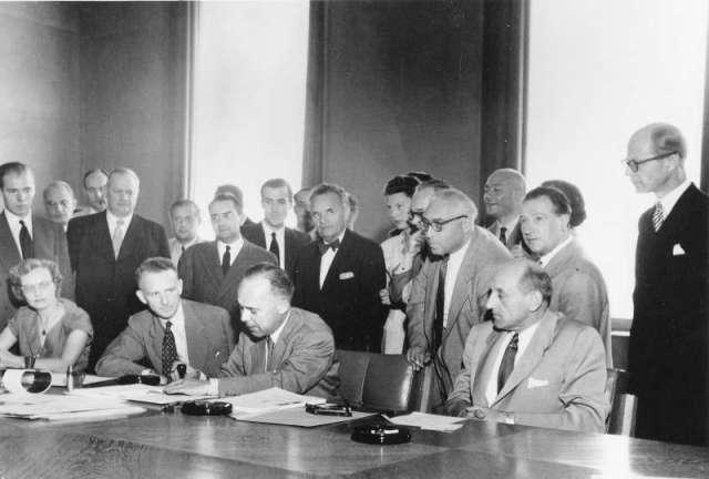 Firma de la Convención de los Refugiados en Ginebra en 1951