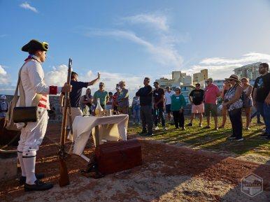 Manuel Minero (voluntario de los Amigos del Fortín San Jerónimo) narra la historia del Fortín San Jerónimo.