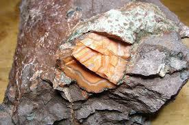 Agatnodul i lava/basalt