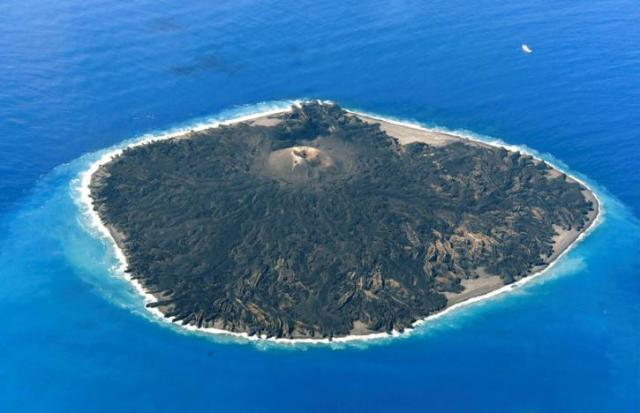 A aerial views shows the pacific island of Nishinoshima, also known as Rosario Island, where researchers started surveillance activities for the first time since its eruption in 2013, some 1,000 kilometers south of Tokyo, Japan October 20, 2016. Mandatory credit Kyodo/via REUTERS