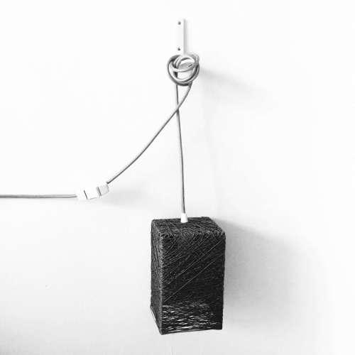 Lámpara de pared con interruptor y enchufe de hilo hecha a mano