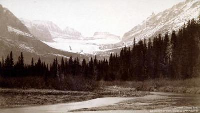1887 photograph of the Grinnell Glacier taken from footbridge (Lieutenant Beacon, Glacier NP. Public domain).