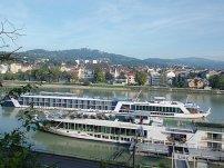 Blick über die Donau zum Pöstlingberg