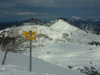 Gipfelfoto vom Trattberg mit Blick zum Frunstberg und zum Hohen First