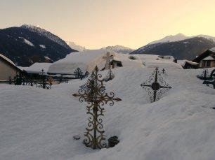 """Im Friedhof von Obertilliach waren viele Gräber nicht """"erreichbar"""""""