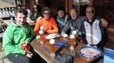 Die Tourengruppe bei der Einkehr auf der Alpe Stalle (v.l. Klaus, Tim, Norbert, Georg, Dietmar)