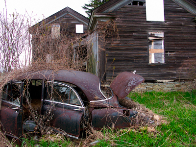old house and car