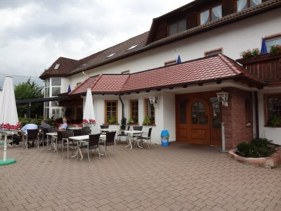Zur Burg 2