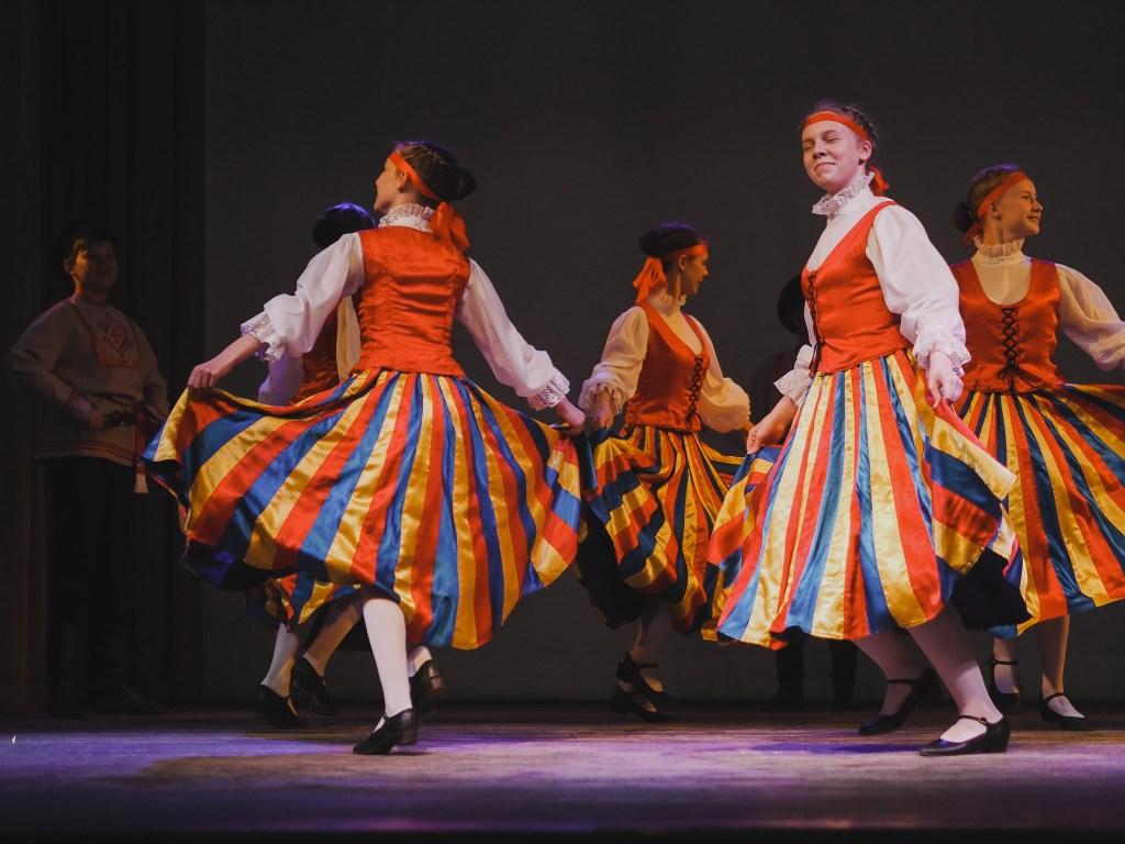 russian dancing svirstroy