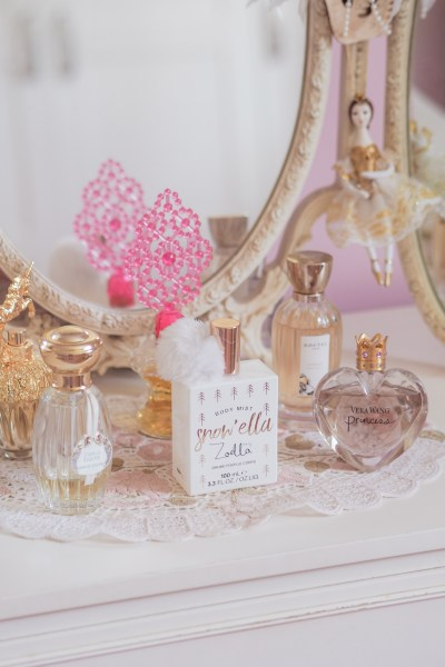 perfume-collection-georgiexoxo-annick-goutal-vera-wang-princess-anna-sui-fragrances-vintage-dressing-table-georgiexoxo.jpg
