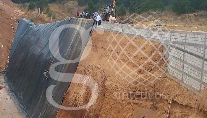 Instalación de #geomembrana de 1.5mm en talud y piso en Tlaxacala, México.